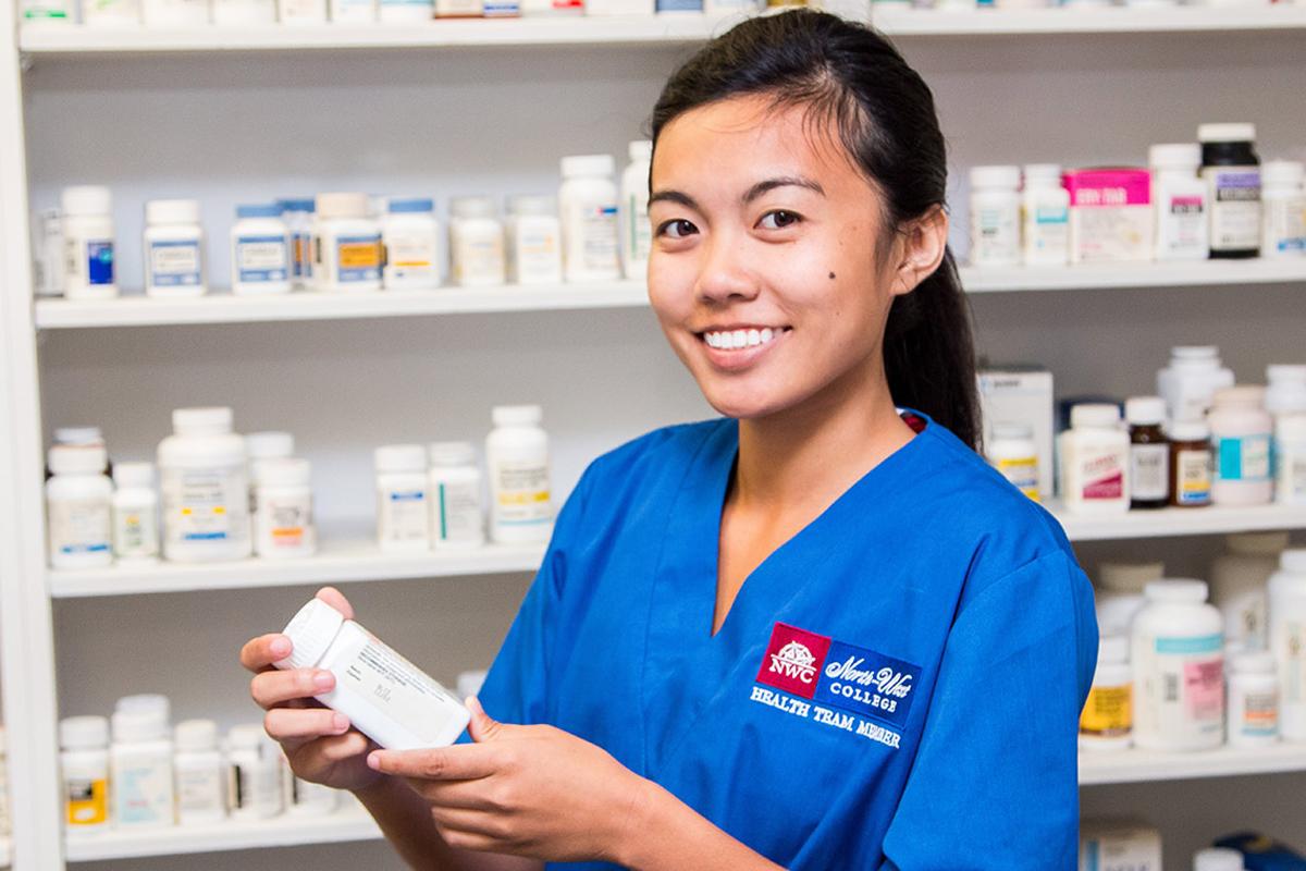 Pharmacy Technician Training in Los Angeles, West Covina, Pasadena, Pomona, Long Beach, Glendale, Riverside, Santa Ana